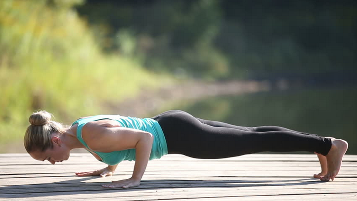 5 Yoga Moves That Flatten Your Tummy